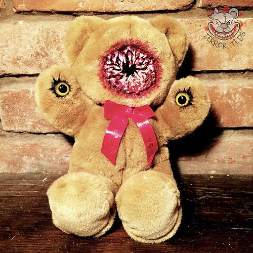 Bone cruncher Ted