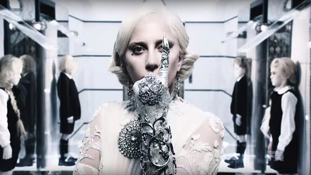 Lady Gaga als The Countess in American Horror Story 5