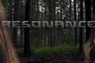 Het jonge stel Max en Elena gaat er even lekker tussen uit om tot rust te komen. Ze dwalen rond is de bossen waar de overnachten, maar hebben het gevoel […]